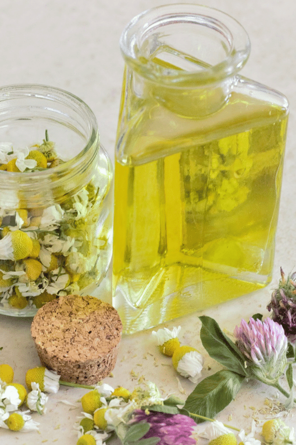 Use chamomile essential oil to relieve anxiety